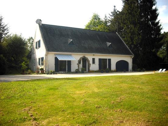 Vente maison suc sur erdre tranquillit et beaux for Garage suce sur erdre